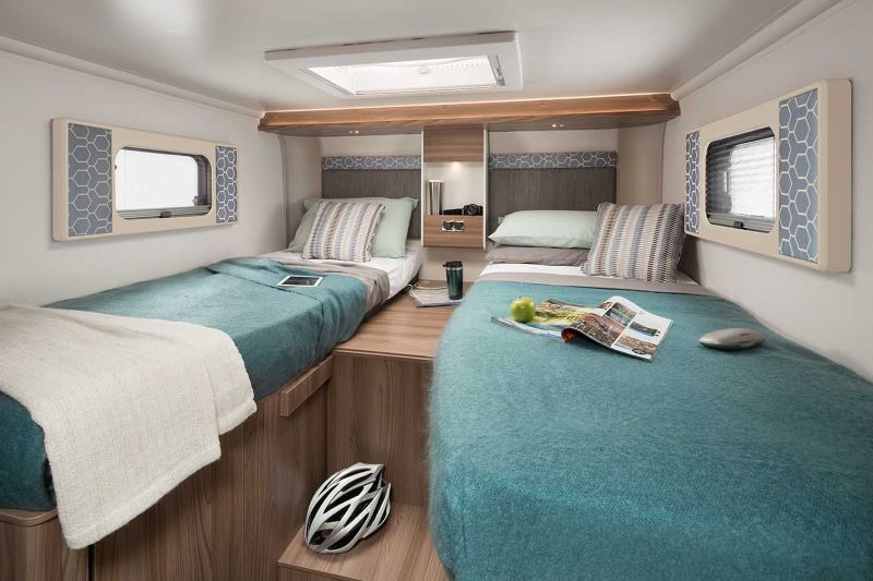 Swift Escape 684 bedroom