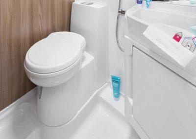 Swift Escape 664 washroom